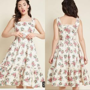 Collectif X Modcloth Frida 40s Floral Swing Dress